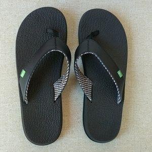 Sanuk 9 Yoga Mat Flip Flops Black Comfort Sandals